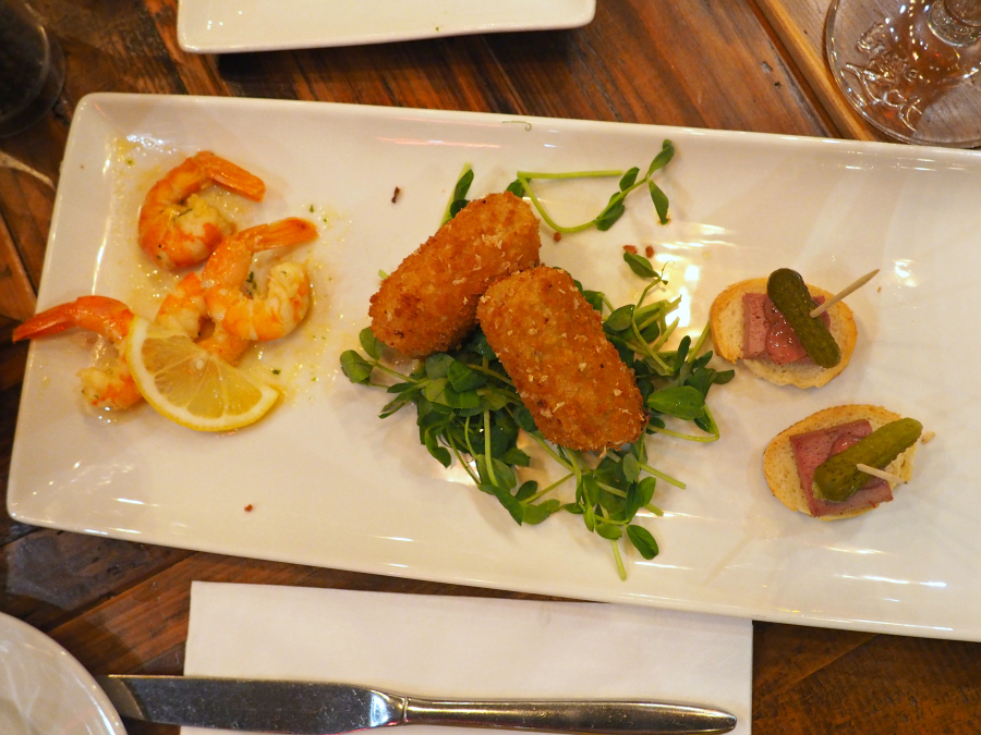 Belgo London restaurant food blogger starters prawns croquettes pate