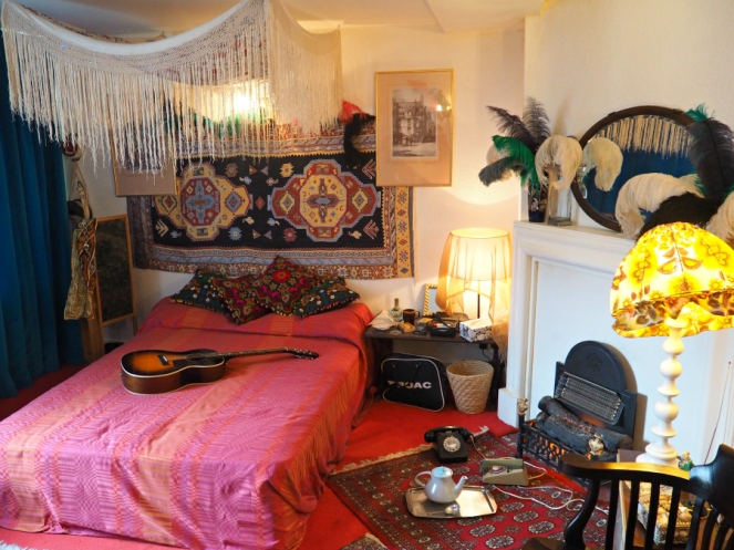 Jimi Hendrix London Flat in Mayfair Musician
