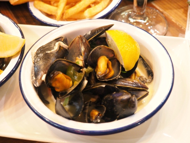 Belgo restaurant London seafood mussels food blogger