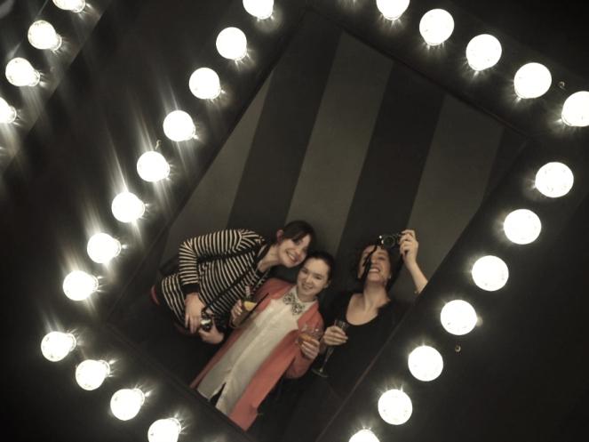 London Bloggers Mirror Selfie
