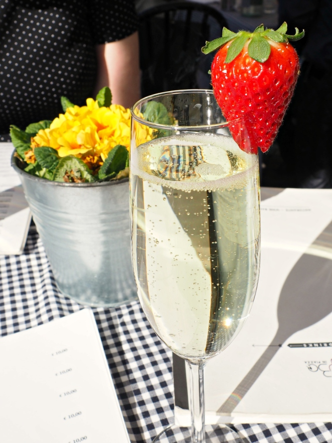 Prosecco in Rome Italy, Travel Food Blogger