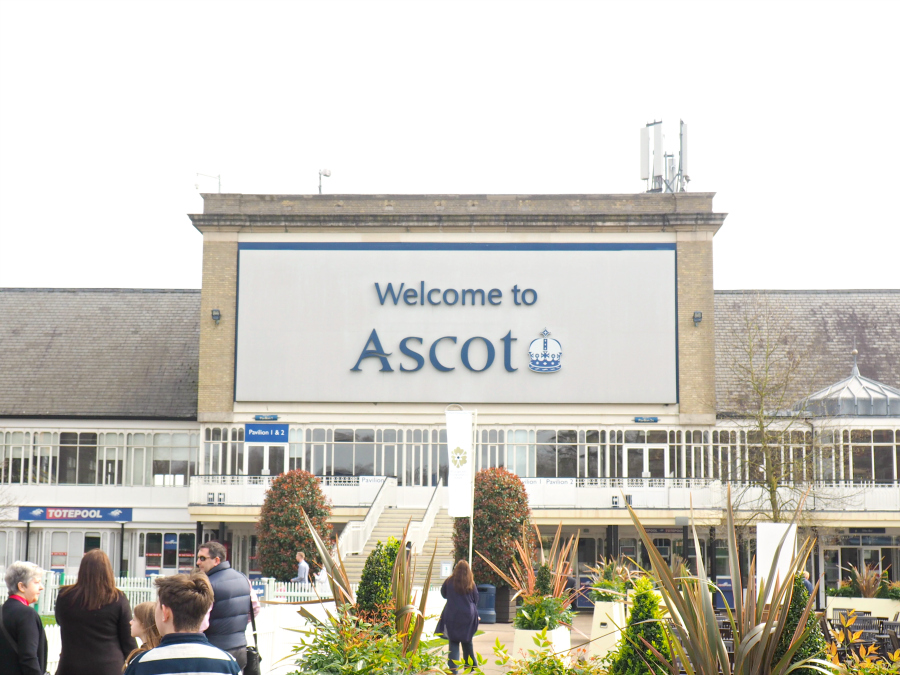 Ascot Racecourse with Appletiser Cocktail Making Horse Racing Lifestyle Blogger