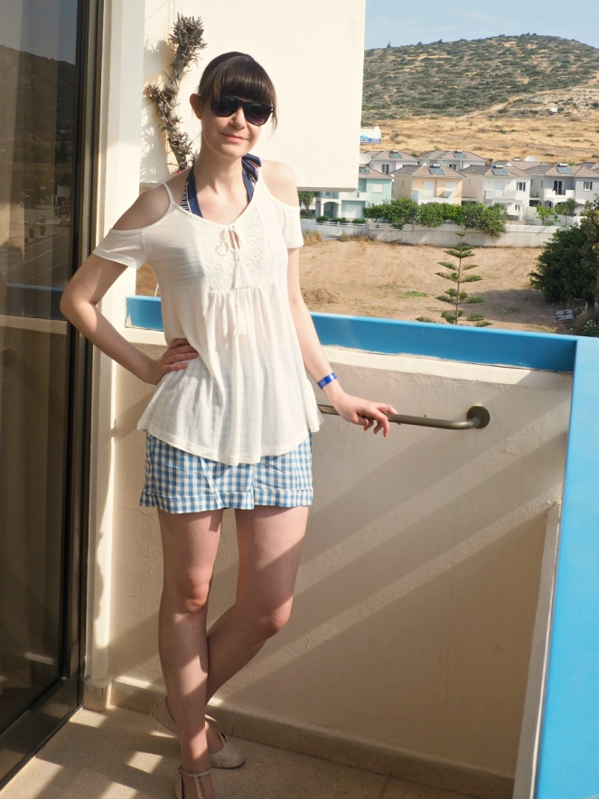Travel Fashion Blogger in Cyprus