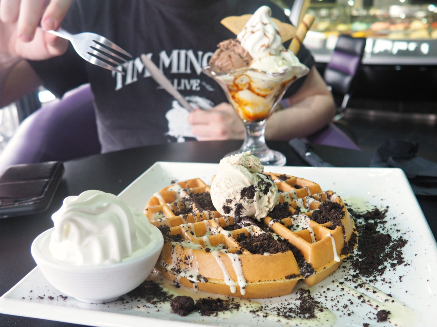 Cream Cafe Oreo Waffles and Cookie Dough Ice Cream London Food Blogger
