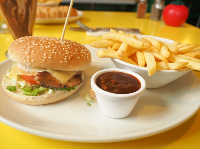 Tinseltown Gants Hill halal Diner garlic chicken burger and fries chips London food blogger
