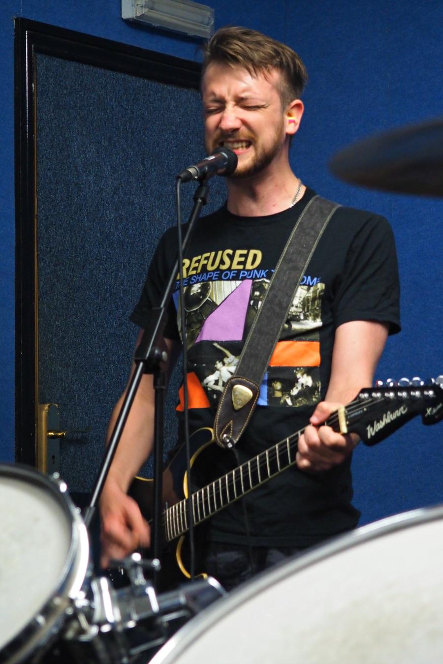 Red Hook Bank UK at Practise Guitarist Guitar