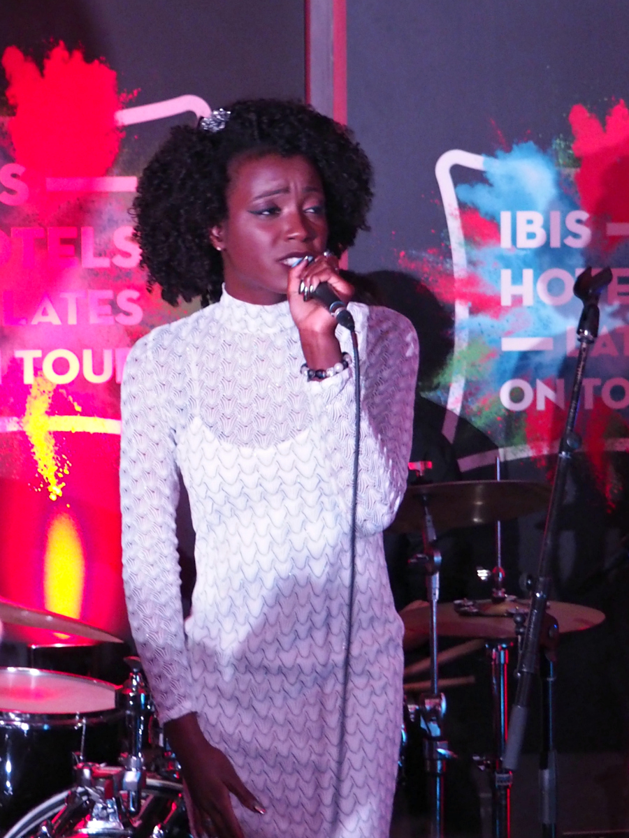 Estee Blu live at Ibis Lates Hotel Shoreditch London Music Blog Blogger