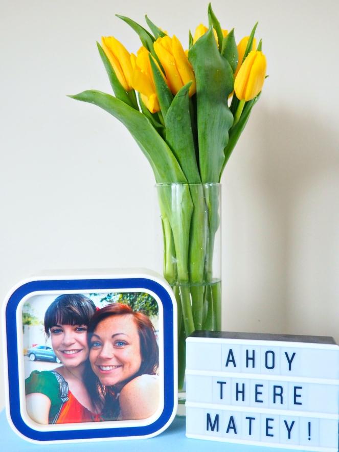 Tidy Bloggers Desk Instagram Photo Frame Lightbox Yellow Tulips