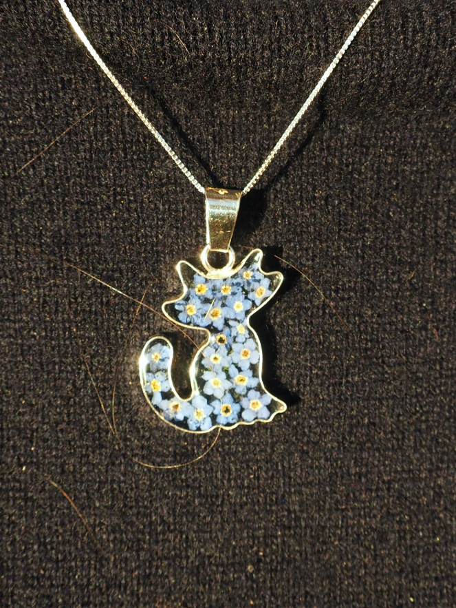 Glass cat filled with blue forget me not flowers necklace pendant fashion blog blogger