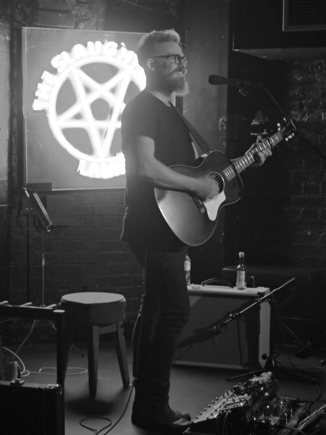 Joey Landreth Singer Live at The Slaughtered Lamb with Jukely London Music Blog Blogger